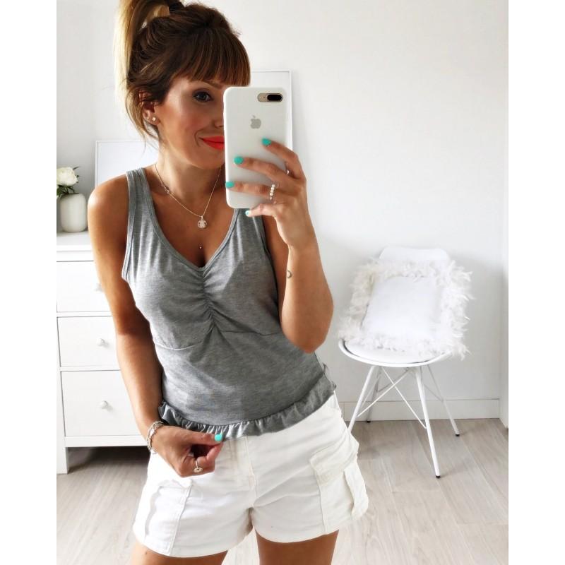 Camiseta tirantes volante gris