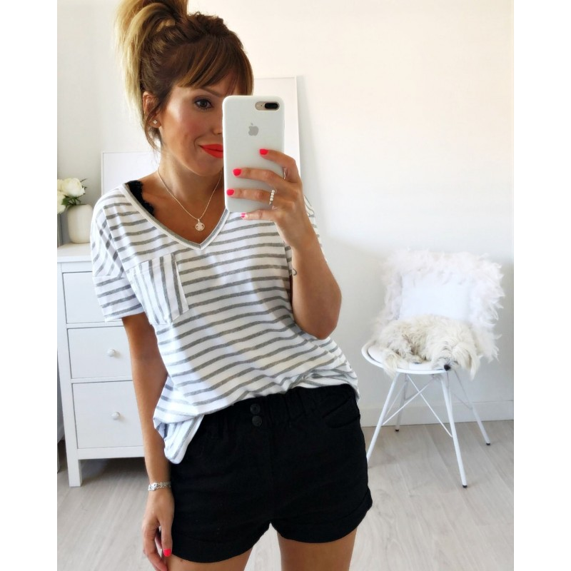 Camiseta bolsillo rayas gris