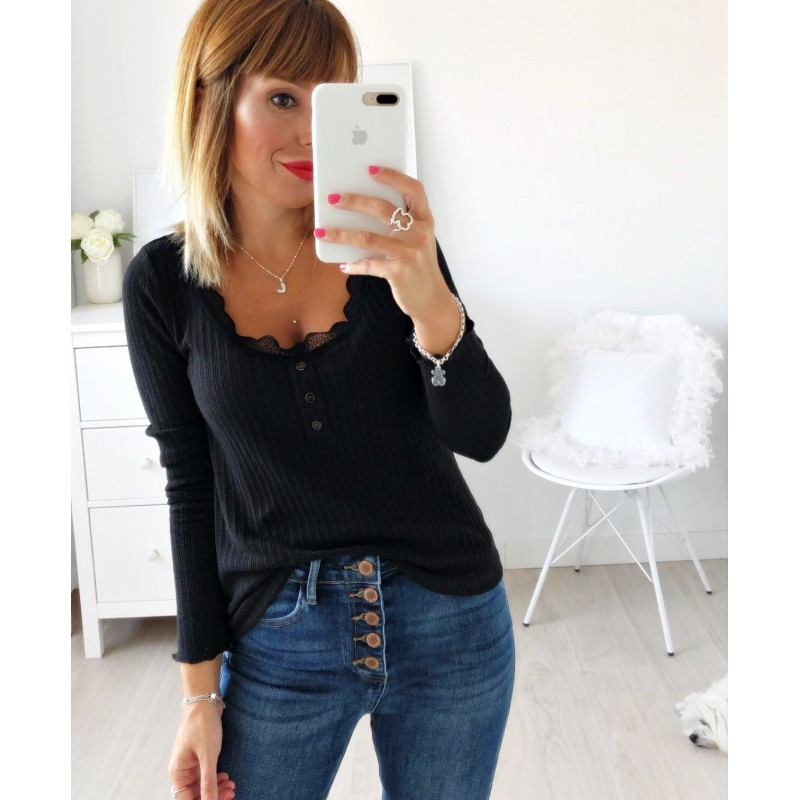 Camiseta puntilla negra