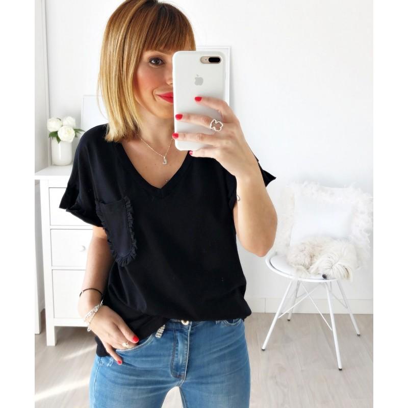 Camiseta pico bolsillo negra