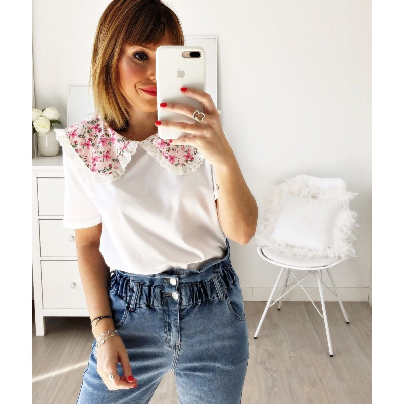 Camiseta cuello bobo flores rosa