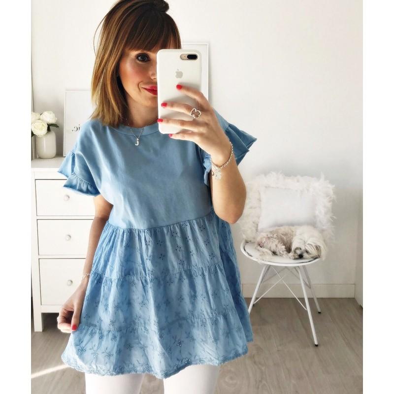 Camiseta perforada azul